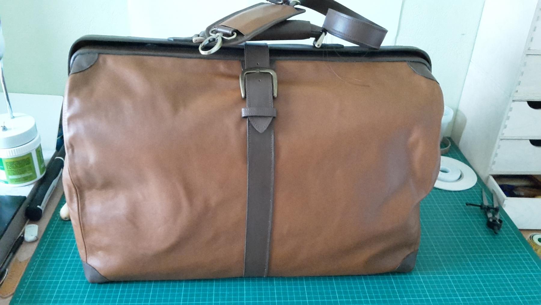 sac de voyage vintage cognac et marron foncé