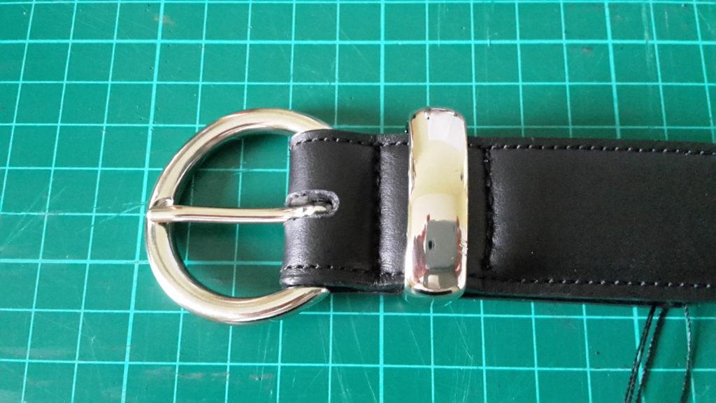 ceinture noire renfort et passant métallique